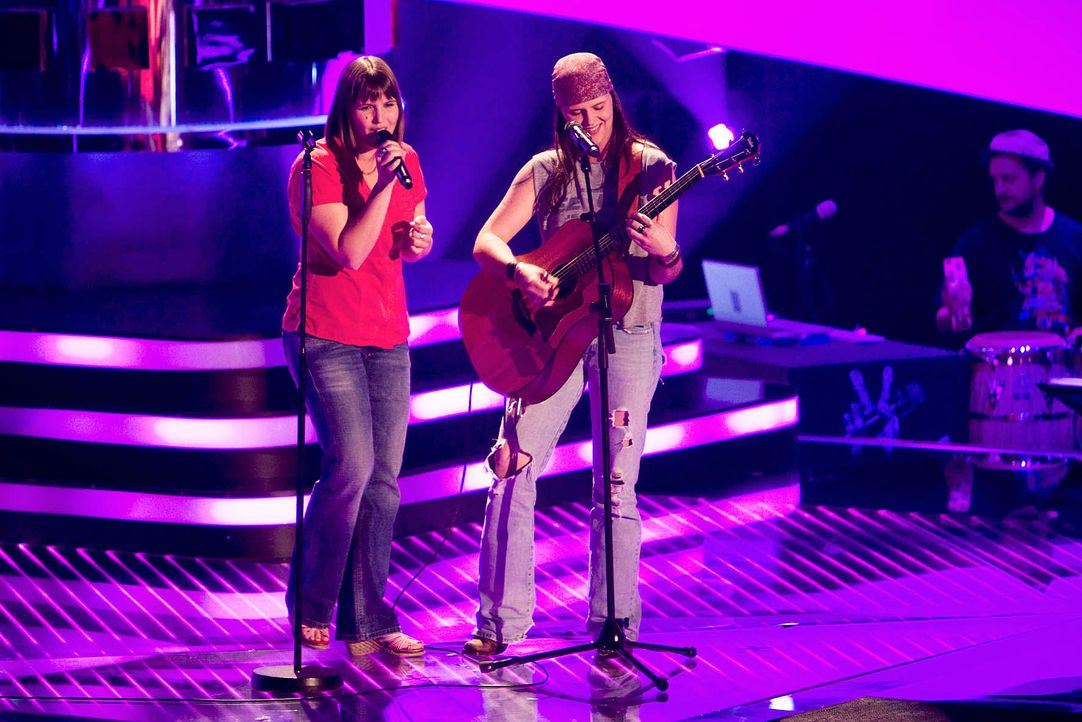 the-voice-stf01-epi04-40-laura-vicky-richard-huebner-prosiebenjpg 1772 x 1182 - Bildquelle: Richard Hübner