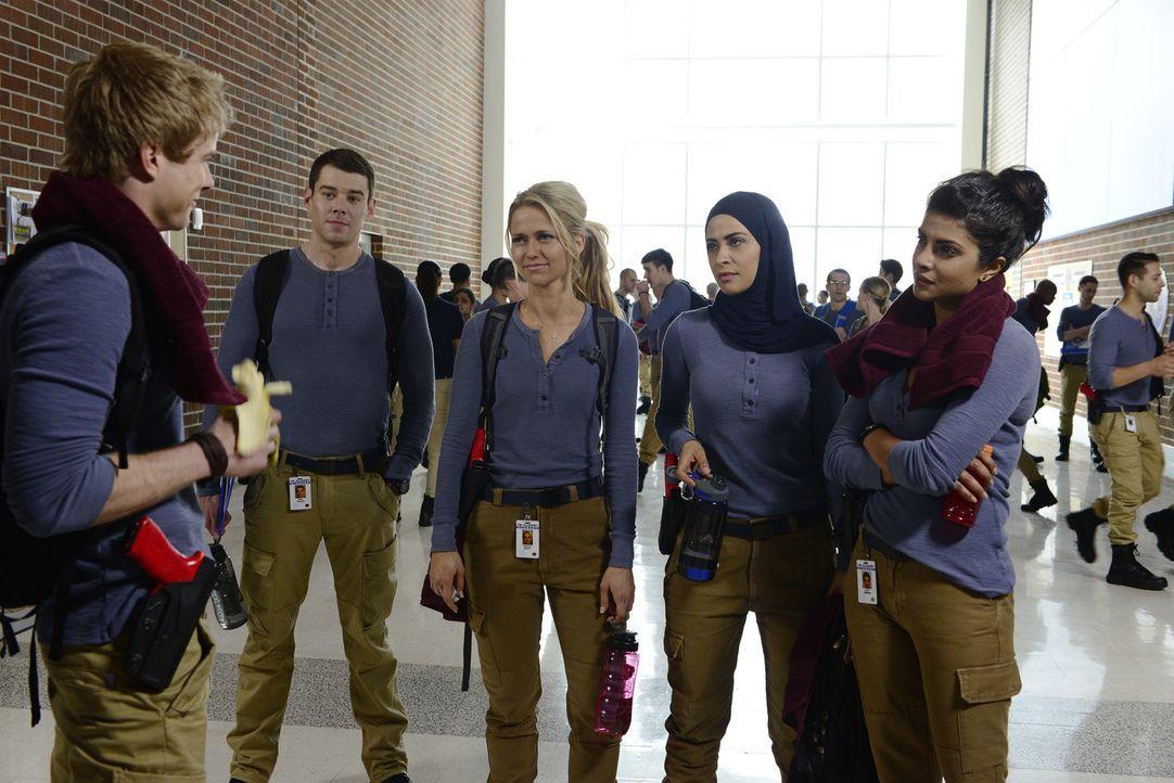 Eine gemischte Gruppe neuer Rekruten nimmt im FBI-Trainingslager in Quantico ihren Dienst auf. Eine harte Zeit wartet auf Caleb Haas (Graham Rogers,... - Bildquelle: 2015 ABC Studios