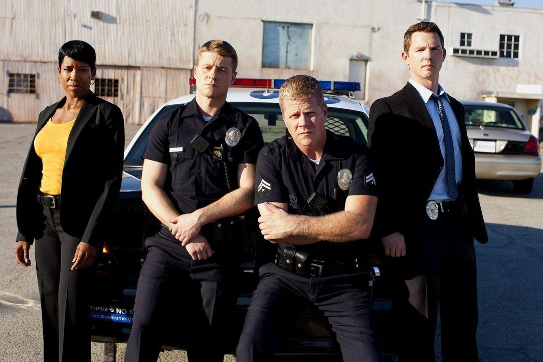 (3. Staffel) - Sorgen in Los Angeles für Recht und Ordnung (v.l.n.r.): Detective Lydia Adams (Regina King), Officer Ben Sherman (Benjamin McKenzie),... - Bildquelle: Warner Brothers