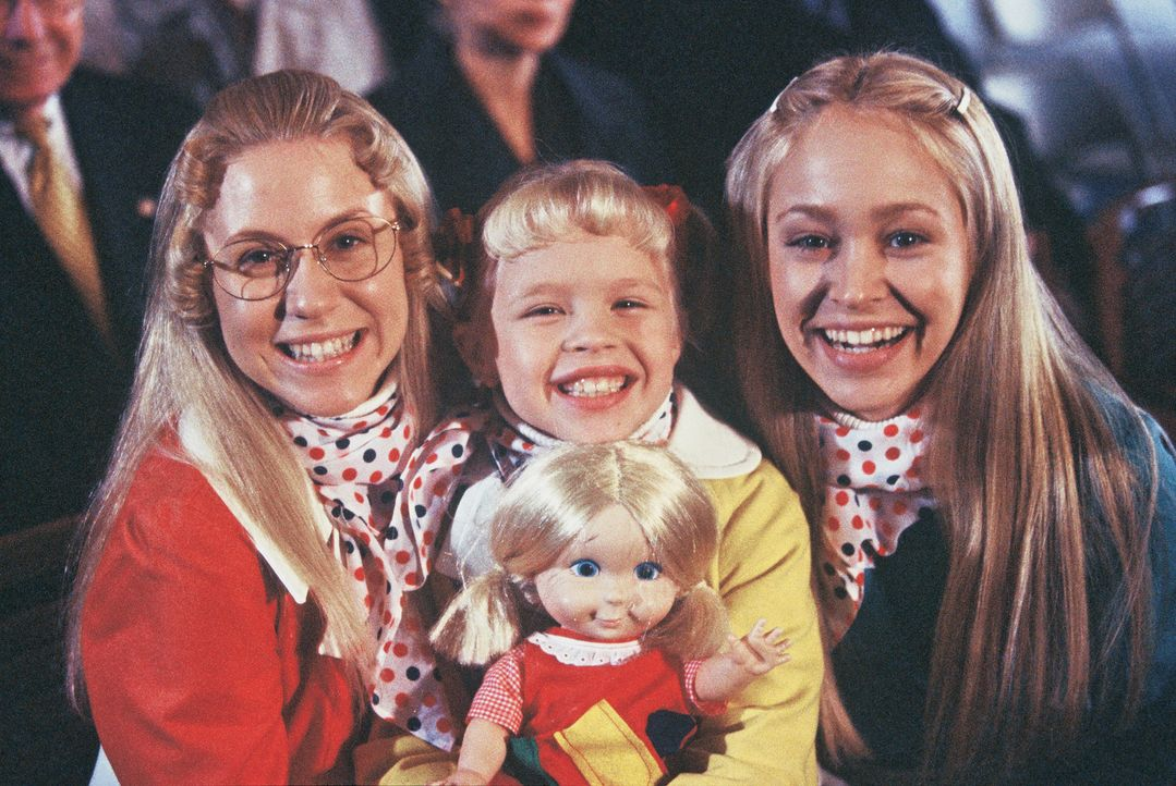 Eine turbulente Zeit wartet auf die aufgedrehten Schwestern Jan (Ashley Eckstein, l.), Cindy (Sofia Vassilieva, M.) und Marcia (Autumn Reeser, r.) ... - Bildquelle: TM &   2002 by Paramount Pictures. All Rights Reserved.