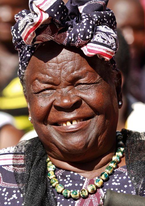 Oma Obama hat in Kenia für den Wahlsieg ihres Enkels gebetet. - Bildquelle: dpa - Bildfunk +++ Verwendung nur in Deutschland