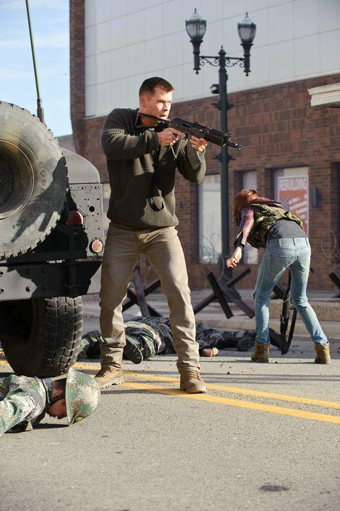 Als der Marinesoldat Jed Eckert (Chris Hemsworth) für seinen Urlaub in seine Heimatstadt zurückkehrt, rechnet er nicht damit, schon bald in einen er... - Bildquelle: 2012 Concorde Filmverleih GmbH