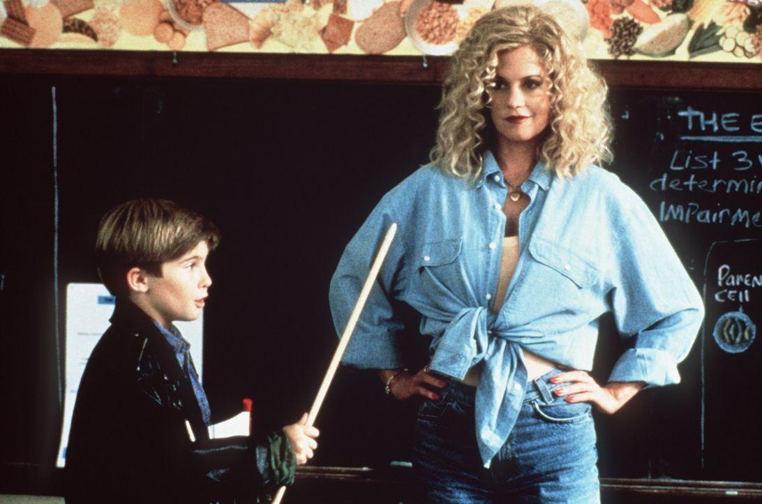 Ihr Verhältnis intensiviert sich: Frank (Michael Patrick Carter, l.) und V (Melanie Griffith, r.) ... - Bildquelle: Paramount Pictures