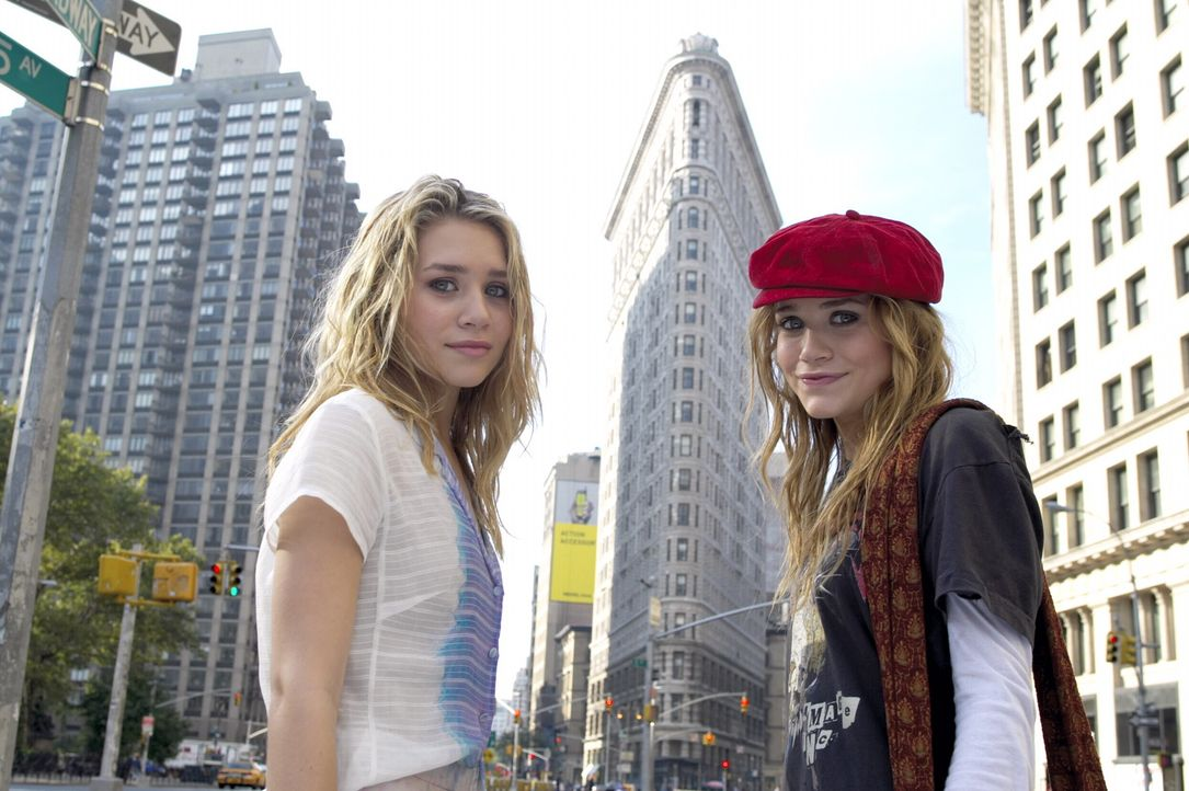 Alles, aber auch alles geht schief: Jane (Ashley Olsen, l.) und Roxy (Mary-Kate Olsen, r.) ... - Bildquelle: Warner Brothers International Television