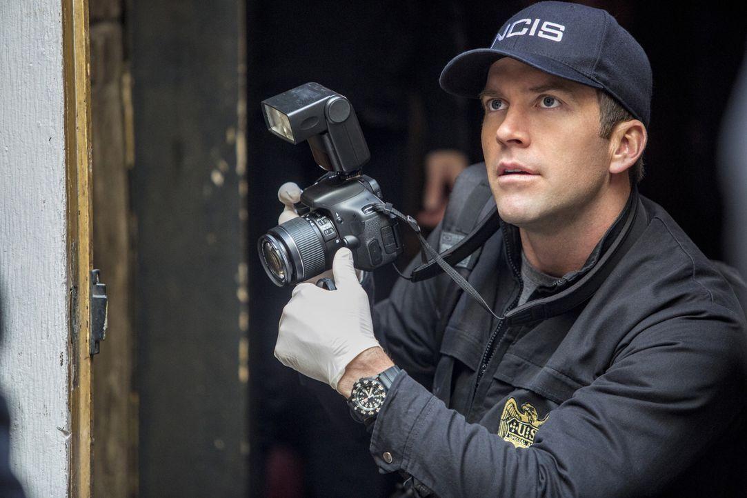 Als bei einem neuen Mordfall eine Verbindung zwischen der Mordwaffe und zwei ungelösten Fällen entsteht, ermitteln Lasalle (Lucas Black) und seine K... - Bildquelle: 2015 CBS Broadcasting, Inc. All Rights Reserved