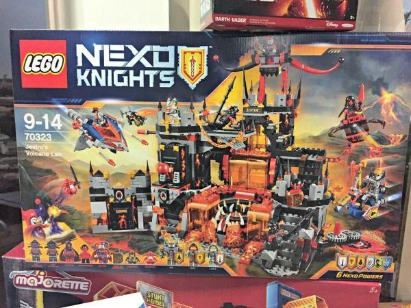 """3. """"Nexo Knights - Jestros Vulkanfestung"""" von LEGOca. 119,99€"""