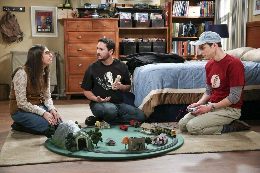 Sheldon (Jim Parsons, r.) hadert immer noch mit seinem wissenschaftlichen Versagen bei der Entdeckung des Super-Elements. Mit Hilfe von Amy (Mayim B... - Bildquelle: Warner Brothers