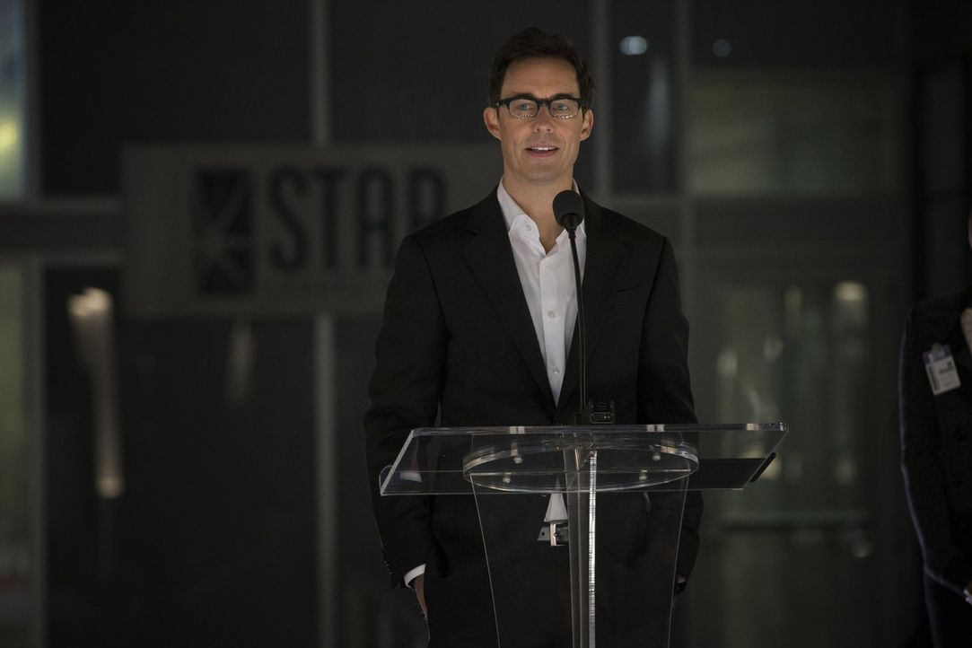 Was hat Harrison Wells (Tom Cavanagh) vor? - Bildquelle: Warner Brothers.