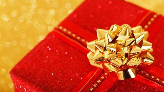 Geschenke einpacken Weihnachtsgeschenk_Pixabay