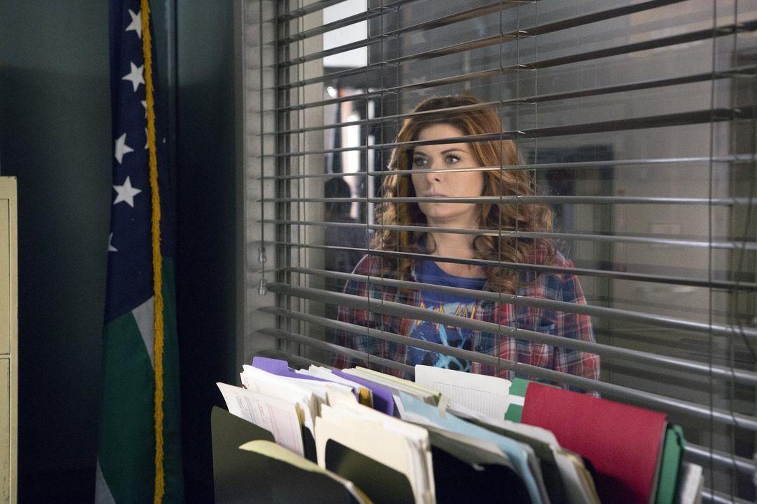 Nicht nur beruflich, sondern auch privat geht es turbulent für Laura (Debra Messing) weiter ... - Bildquelle: 2016 Warner Bros. Entertainment, Inc.