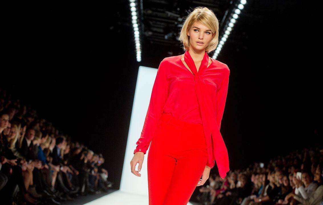 Fashion-Week-Berlin-Luisa-Hartema-14-01-14-2-dpa - Bildquelle: dpa