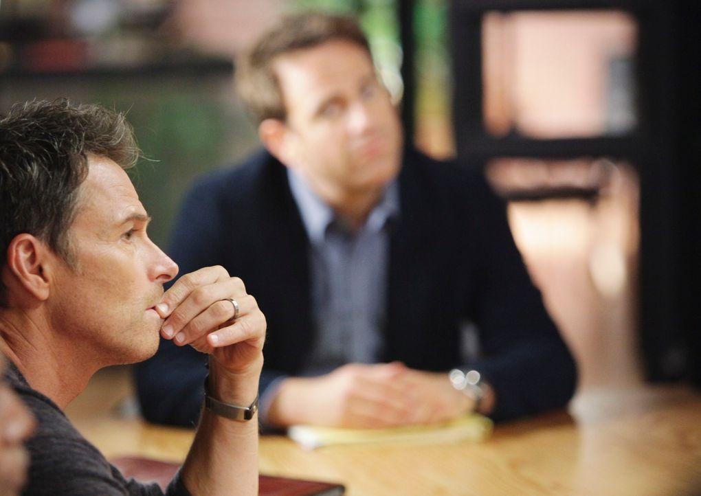 Pete (Tim Daly, l.) ist der Meinung, dass sich an der engen Freundschaft von Cooper (Paul Adelstein, r.) und Violet etwas ändern muss, was sich fü... - Bildquelle: ABC Studios