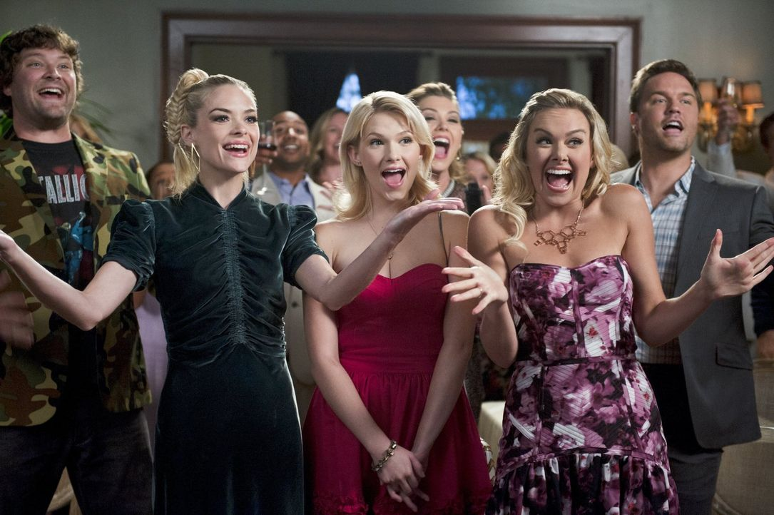 Wird es Meatball (Matt Lowe, l.), Lemon (Jaime King, 2.v.l.), Magnolia (Claudia Lee, M.), Shelby (Laura Bell Bundy, 2.v.r.) und George (Scott Porter... - Bildquelle: 2014 Warner Brothers