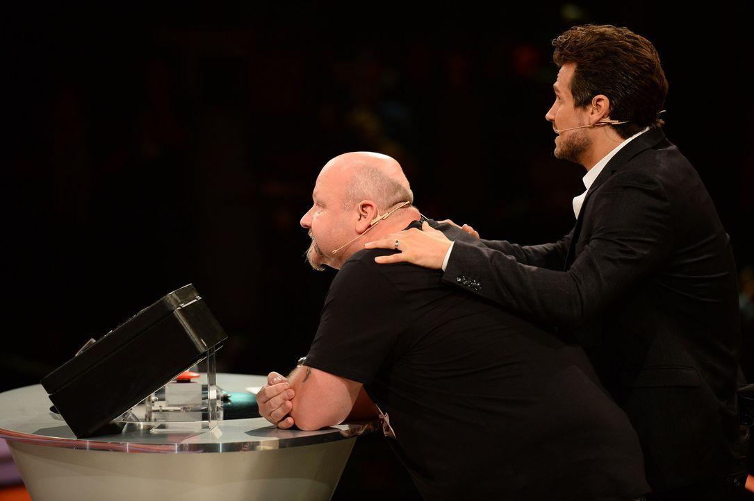 Kann Wayne Carpenedale (r.) die Nerven von Michael (l.) etwas beruhigen? - Bildquelle: Willi Weber SAT.1