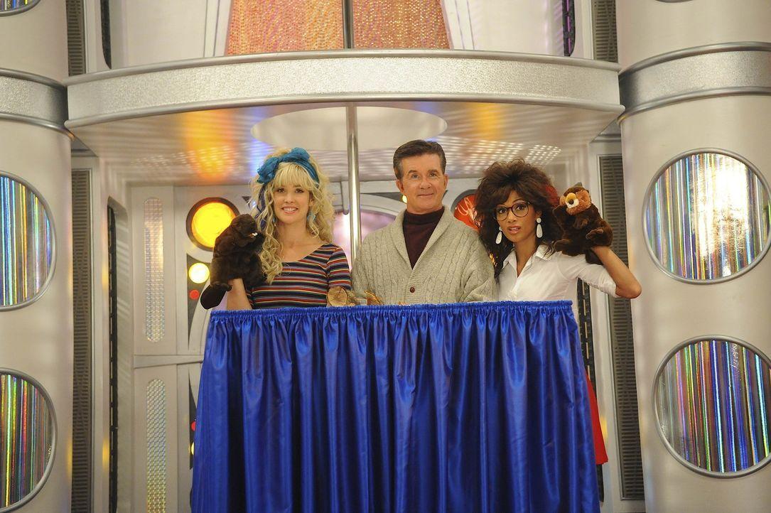 Verrückte Zeiten: Robin (Cobie Smulders, l.), Jessica (Nicole Scherzinger, r.) und Alan Thicke (Alan Thicke, M.) ... - Bildquelle: 20th Century Fox International Television