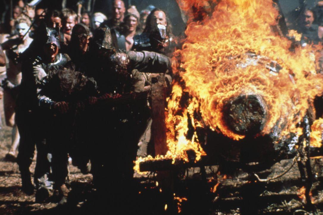 Auf der Gefängnisinsel Absolom liefern sich die verfeindeten Stämme blutige Gefechte ... - Bildquelle: Columbia Tristar International Television