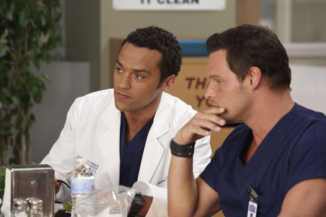 Wenige Wochen sind seit dem Flugzeugabsturz vergangen. Während sich Cristina nicht in ihren neuen Kollegenkreis integrieren kann, können Alex (Jus... - Bildquelle: ABC Studios