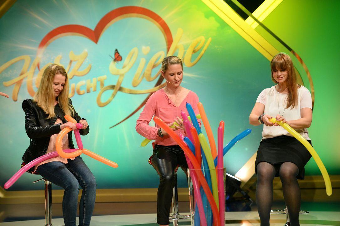 Können Marina (l.), Nadine (M.) und Diana (r.) mit ihren Kunstwerken überzeugen? - Bildquelle: Willi Weber SAT.1 Gold