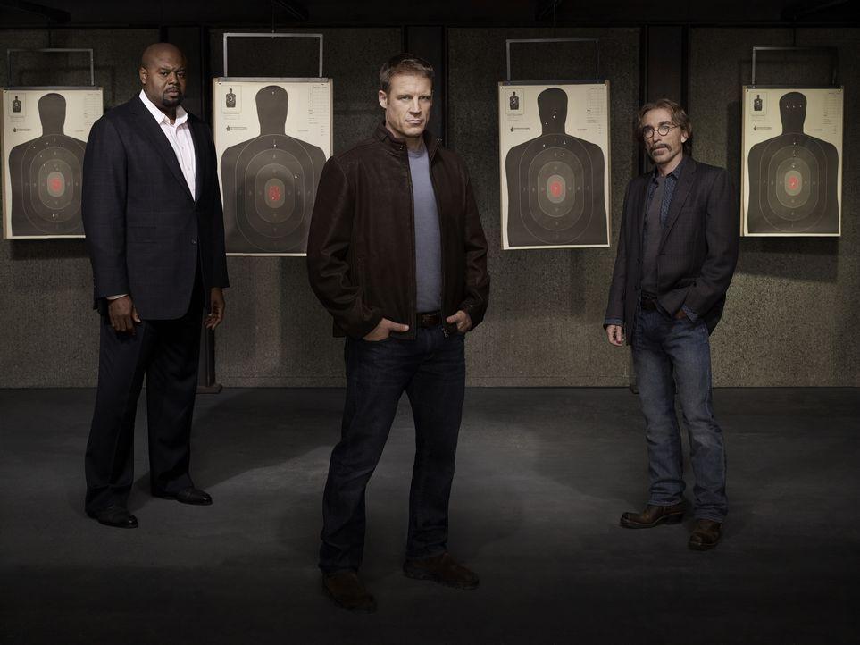 (1. Staffel) - Bei seinen Aufträgen wird der einzigartige Bodyguard Christopher Chance (Mark Valley, M.) vom ehemaligen Polizisten Winston (Chi McBr... - Bildquelle: Warner Brothers