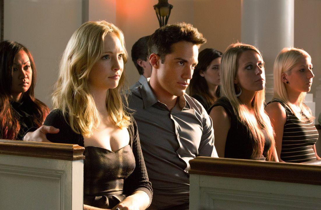 Caroline und Tyler - Bildquelle: © Warner Bros. Entertainment Inc.