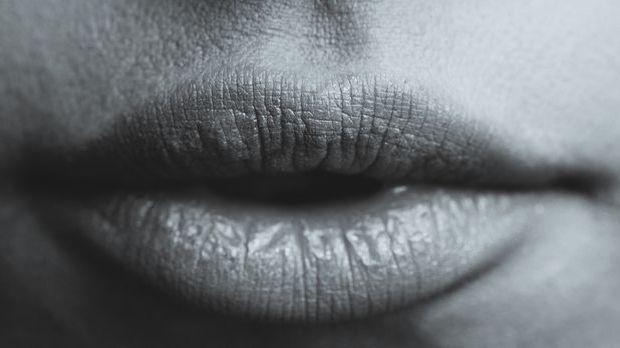 Bei einem perfekten Blowjob ist der Mund sinnlich entspannt.