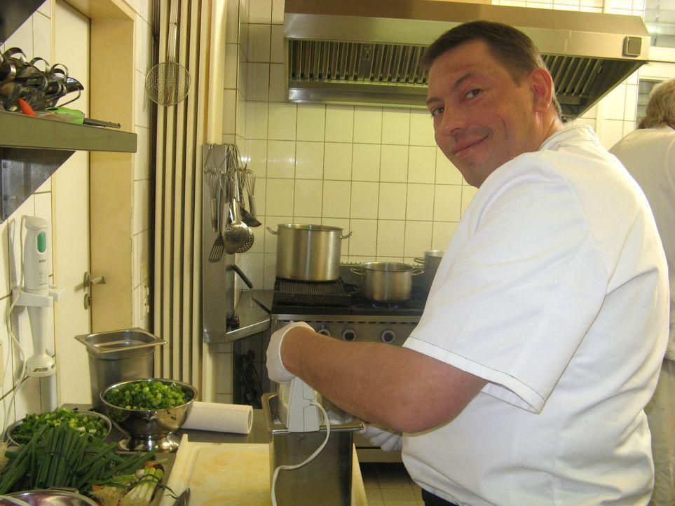 Vor zwölf Jahren erfüllte sich Ralf Stelljes den Traum von der Selbstständigkeit: Der gelernte Koch übernahm im niedersächsischen Osterholz-Scharmbe... - Bildquelle: kabel eins