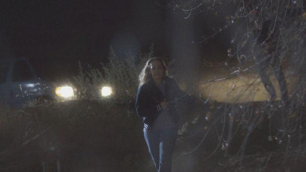 Sie rennt um ihr Leben und versucht, ihrem Mörder zu entkommen: Nach einem la...