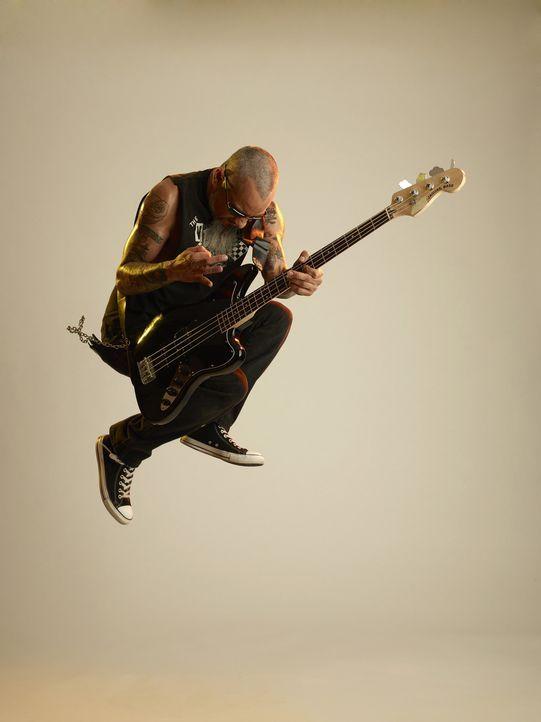 Ruckus hat es drauf, nicht nur beim Gitarre spielen, sondern auch was Tattoos angeht. Unter seiner Aufsicht verwandelt sich so manches Tattoo-Missge... - Bildquelle: 2013 A+E Networks, LLC