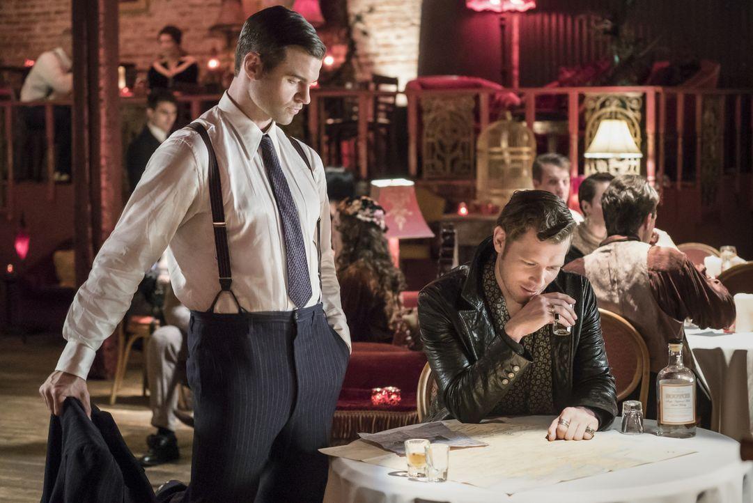 Elijah (Daniel Gillies, l.); Klaus (Joseph Morgan, r.) - Bildquelle: Warner Bros.