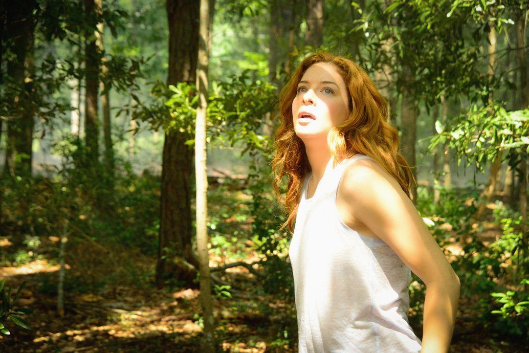 Noch ahnt Julia (Rachelle LeFevre) nicht, welche Auswirkungen der Zerfall der Kuppel wirklich haben wird ... - Bildquelle: 2015 CBS Studios Inc.
