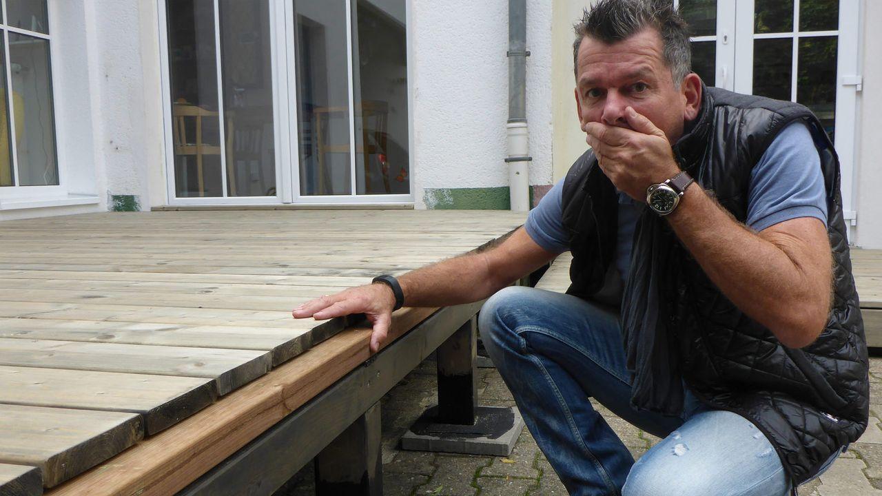 Welches Pärchen darf sich am Ende über die Siegprämie freuen? Heimwerker-Experte Mark Kühler testet, welcher der angeblich handwerklich begabten Ehe... - Bildquelle: kabel eins