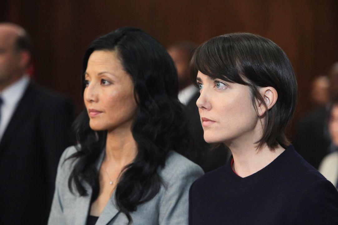 Der Prozess gegen Katie (Amanda Foreman, r.) hat begonnen. Zunächst ist Violet nicht in der Lage, gegen sie auszusagen. Erst als Katie über ihren Va... - Bildquelle: ABC Studios
