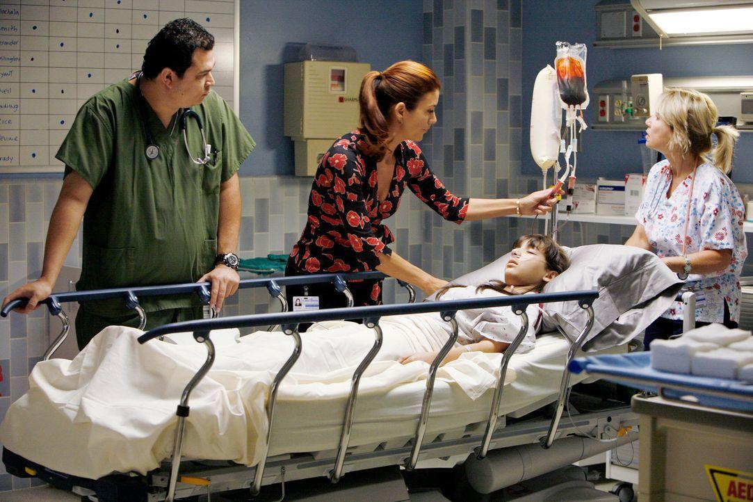 Addison (Kate Walsh, 2.v.l.) kümmert sich um Ruby (Hannah Marks, liegend), eine Freundin von Maya, die eine schlimme Fehlgeburt hatte ... - Bildquelle: 2007 American Broadcasting Companies, Inc. All rights reserved.