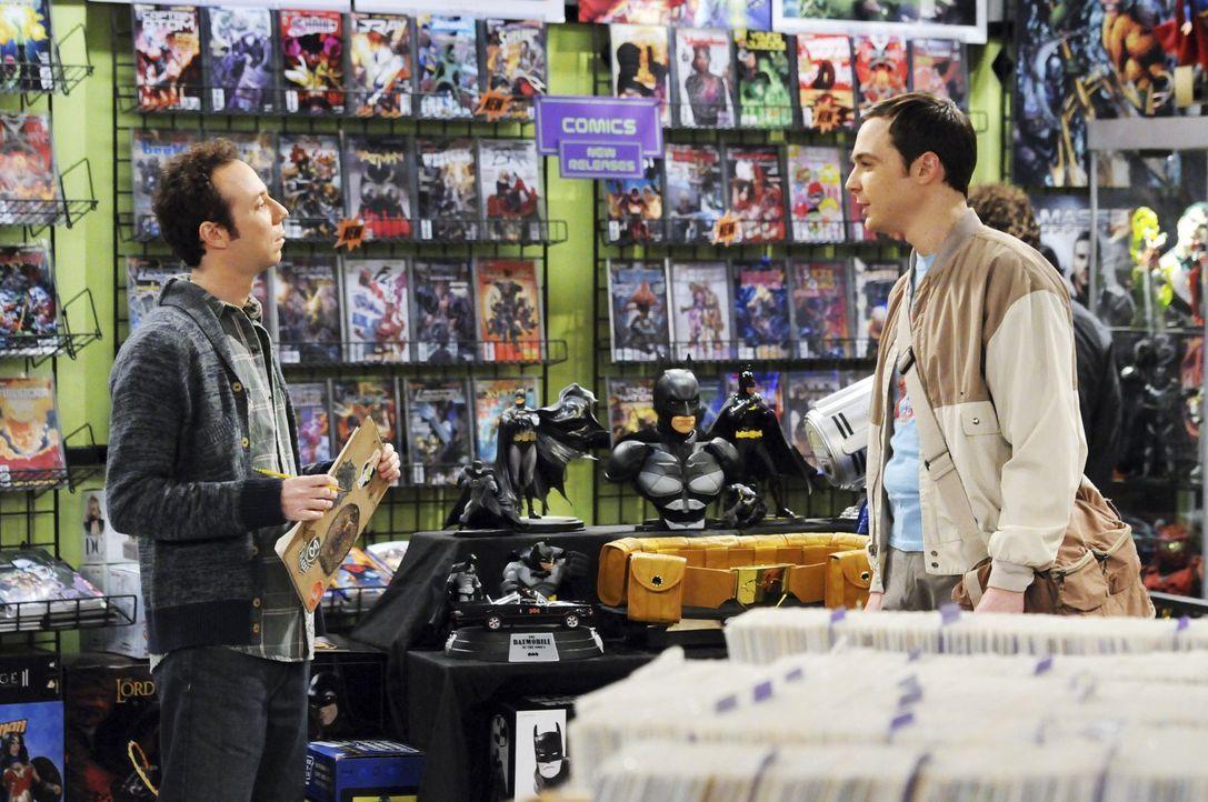 Was ist nur mit Sheldon (Jim Parsons, r.) und Stuart (Kevin Sussman, l.) los? - Bildquelle: Warner Bros. Television