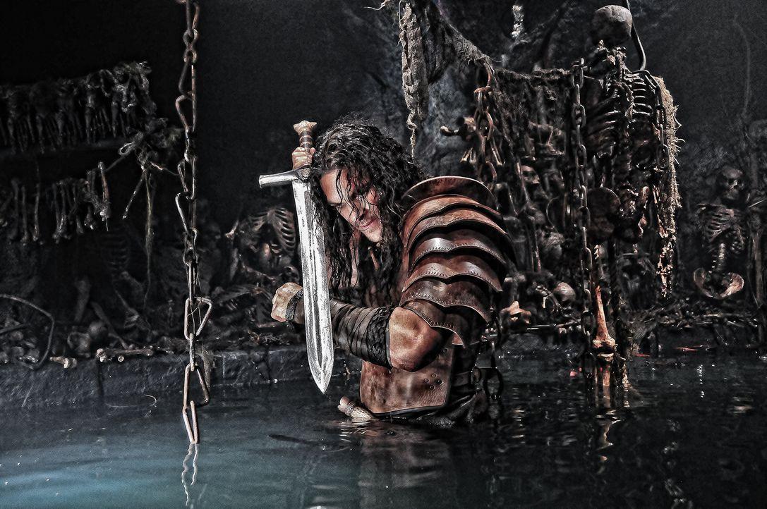 Für Conan (Jason Momoa) ist kein Weg zu weit, kein Berg zu hoch und kein Wasser zu tief. Er möchte Vergeltung für den Tod seines Vaters - um jeden P... - Bildquelle: Nu Image Films