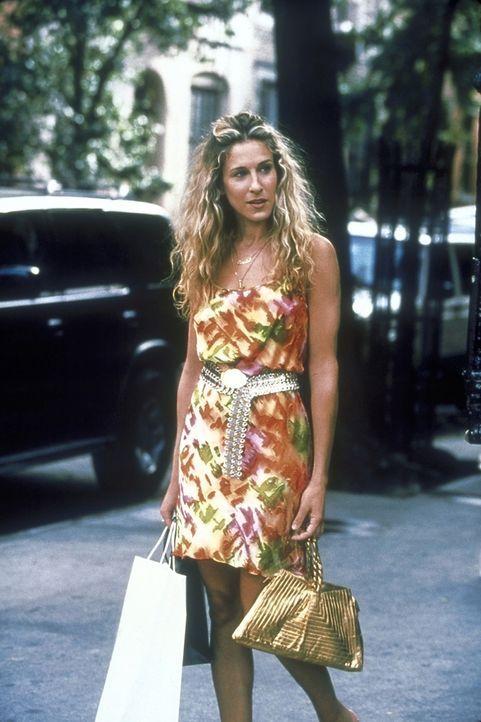Carrie (Sarah Jessica Parker) trifft einen sehr interessanten Mann, dem sie auch spontan ihre Telefonnummer gibt. Doch warum meldet er sich nicht? - Bildquelle: 2001 Paramount Pictures
