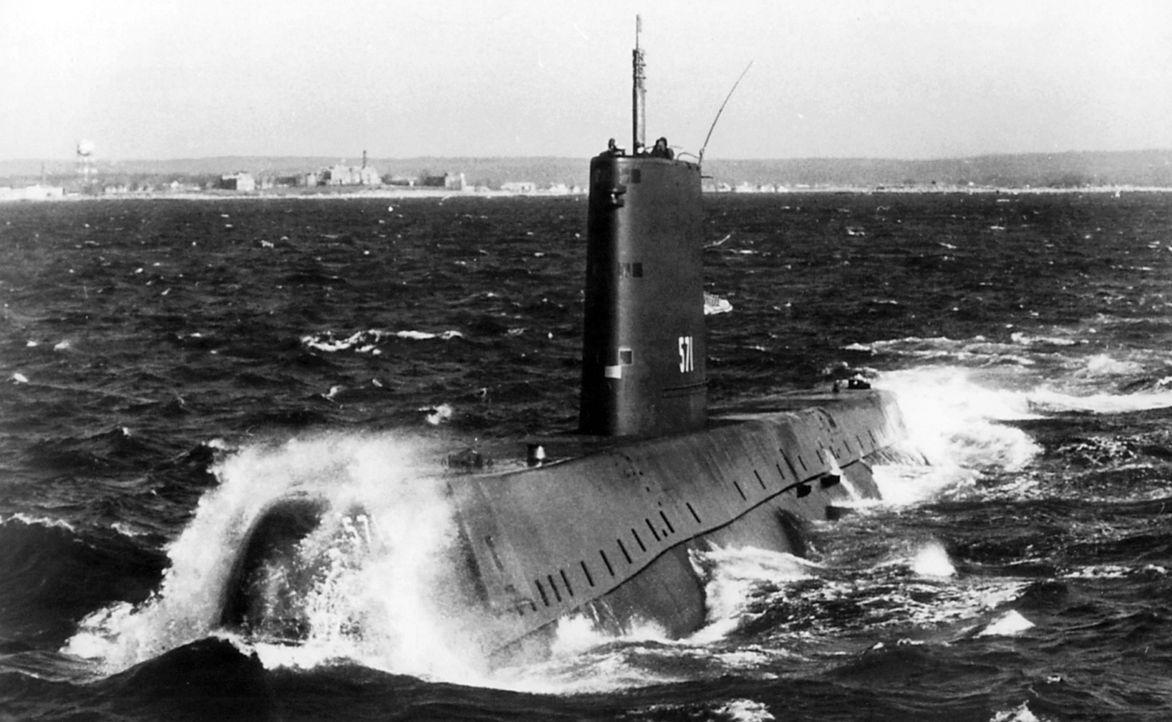 Die USS Nautilus (SSN-571) ist ein US-amerikanisches U-Boot und war das erste nukleargetriebene U-Boot der Welt. Es war das sechste Schiff der Unite... - Bildquelle: Lou Reda Productions (USA)