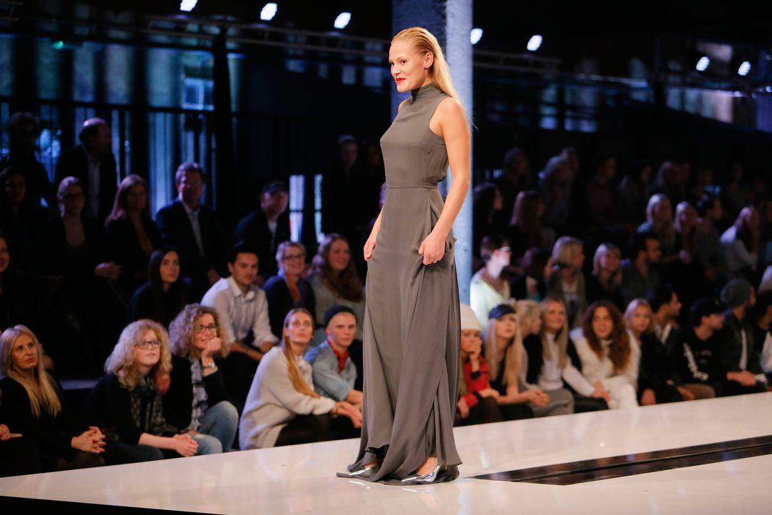 GNTM-Stf11-Epi01-erste-fashion-show-18-ProSieben-Huebner - Bildquelle: ProSieben/Richard Huebner