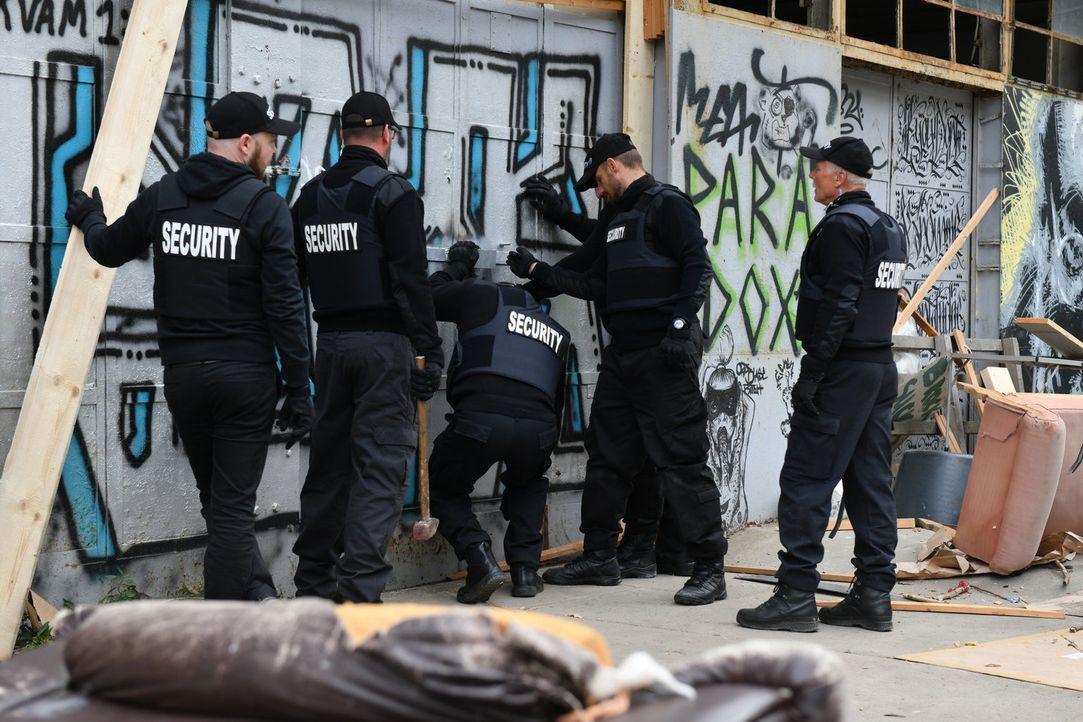 Wird das Zuhause der Obdachlosen wirklich abgerissen? - Bildquelle: Claudius Pflug SAT.1/Claudius Pflug