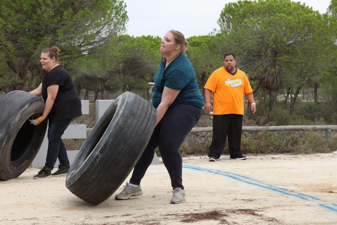 """Müssen alles geben, um ein Teil des """"The Biggest Loser""""-Teams zu werden: Raphaela (M.), Anna Maria (l.) und Umut (r.) ... - Bildquelle: Enrique Cano SAT.1"""