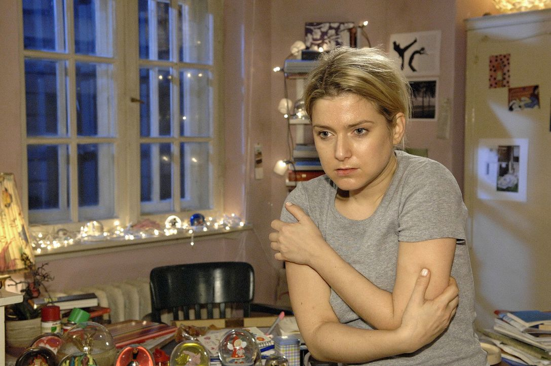 Anna (Jeanette Biedermann) macht der Entzug zu schaffen ... - Bildquelle: Claudius Pflug Sat.1