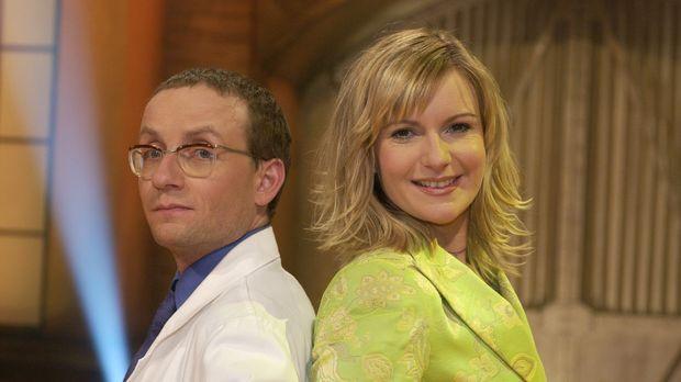 Wissenschaftsexperte Wigald Boning (l.) und CLEVER-Moderatorin Barbara Eligma...