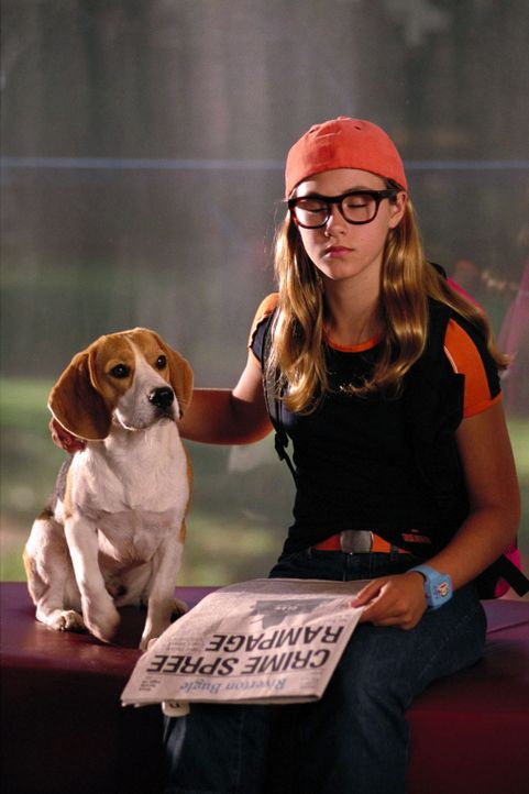 Mit Pennys Hilfe (Caitlin Wachs) schafft Gadget es tatsächlich, den Aufenthaltsort des Oberbösewichts herauszufinden. Aber dann fällt ihm die Tec... - Bildquelle: Walt Disney Pictures