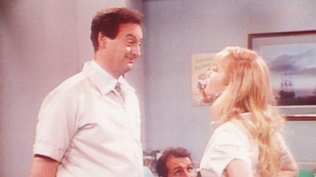 Dr. Plierson (Joe Flaherty, l.) und seine Sprechstundenhilfe T. C. (Traci Lor...