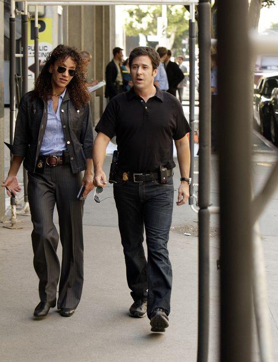 Don (Rob Morrow, r.) und Nikki Betancourt (Sophina Brown, l.) versuchen eine Gruppe von Kidnappern dingfest zu machen. Doch wird es ihnen gelingen? - Bildquelle: Paramount Network Television