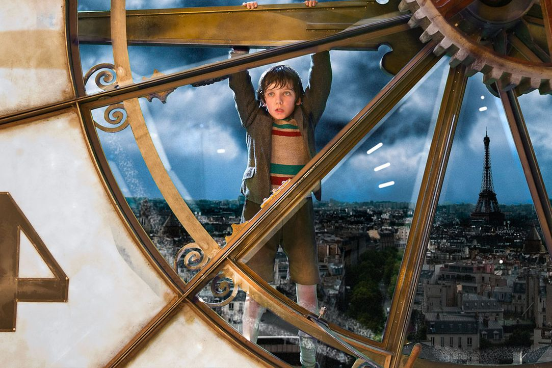 Montparnasse in den 1930er Jahren: Das Waisenkind Hugo (Asa Butterfield) lebt versteckt im Gewölbe des Pariser Bahnhofs und ist immer auf der Flucht... - Bildquelle: Jaap Buitendijk 2011 GK Films.  All Rights Reserved.