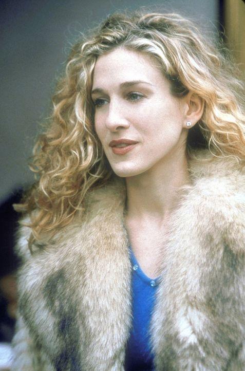 Auf der Eröffnungsparty eines neuen Restaurants lernt Carrie (Sarah Jessica Parker) zwei attraktive Männer kennen ... - Bildquelle: Craig Blankenhorn 1998 HBO