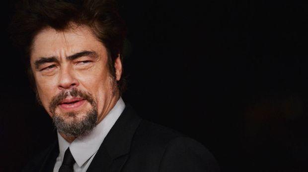 Benicio-Del-Toro-2-14-10-19-AFP