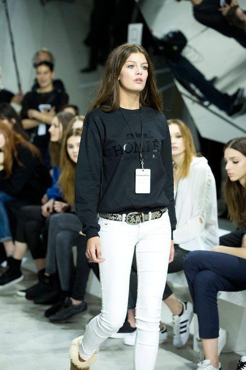 GNTM-Stf10-Epi14-Fashion-Week-Paris-015-Vanessa-ProSieben-Richard-Huebner - Bildquelle: ProSieben/Richard Huebner