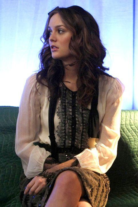 Blair (Leighton Meester) erfährt, dass sie von Yale abgelehnt wurde und macht sich auf die Suche nach dem oder der Schuldigen ... - Bildquelle: Warner Brothers